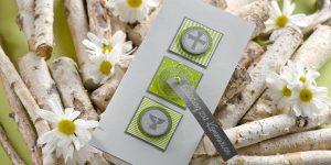 Ideen für Kommunion und Konfirmation: Kreuz und Kelch | Einladung in Grau, Grün und Anthrazit mit bedeutenden christlichen Symbolen