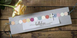 Ideen für Kommunion und Konfirmation: Halleluja - Lasst uns feiern | Einladungs- und Grußkarte mit Tupfen in Kreidefarben, Taupe und elegant glänzendem Schriftzug in Silber