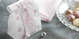 Ideen für Weihnachten: Himmlisch! | Papiertüte für Weihnachtsgebäck und kleine Geschenke mit Engel und Dekoration in Rosa und Pink
