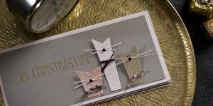 Ideen für die Weihnachtspost: Cats | Weihnachtskarte in Taupe, Rosé und gold mit stylischen Katzen und gestempeltem Schriftzug