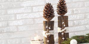Ideen für Weihnachten: Baumstark | Winterliche Dekoration aus Holzscheiten und Pinienzapfen