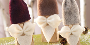 Ideen für Weihnachten: Trio mit Bärten | Lustige Dekoration aus Holzkeilen und Filz, Wollfilz oder Topfband
