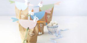 Ideen für den Frühling: Osterglück in Tüten | Hühner und Vögel als fröhliche Verpackung für süße Geschenke aus Papiertüten und Motivkartons