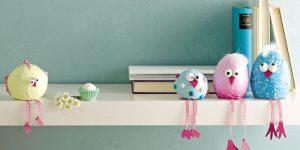 Ideen für den Frühling: Think Pink! | Witzige Kantenhocker nicht nur für die Osterzeit aus Styroporeiern und Styroporkugeln mit Acrylpasten und Acrylfarben bemalt