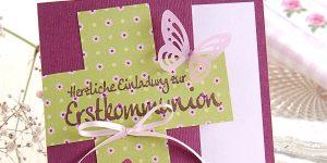 Ideen für Kommunion: Die Erstkommunion - ein beflügelndes Erlebnis | Einladung und Dankeskarte in Beerenfarben, Rosa und hellem Grün mit Kreuz, Schmetterlingen und gestempeltem Schriftzug im Handlettering-Stil