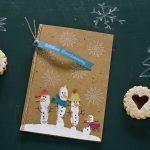Ideen für die Weihnachtspost: Winterwonderland   lustige Weihnachtskarte in Natur, Weiß und vielen bunten Farben mit Schneemännern und Schneeflocken