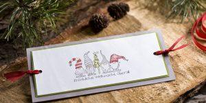 Ideen für die Weihnachtspost: Frööhliche Weihnacht überall | witzige Grußkarte in natürlichen Weihnachtsfarben mit gestempeltem Motiv